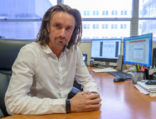 Dr. Hendrik Luesch, Center Director